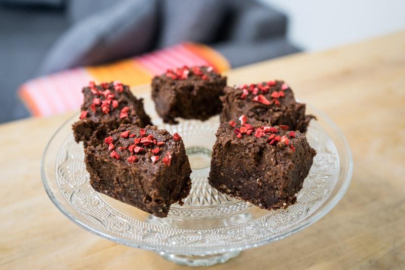 Rå chokoladekage med hasselnøddecreme-9601