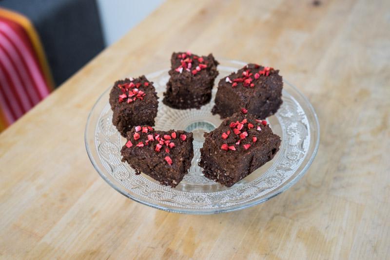 Rå chokoladekage med hasselnøddecreme-9615