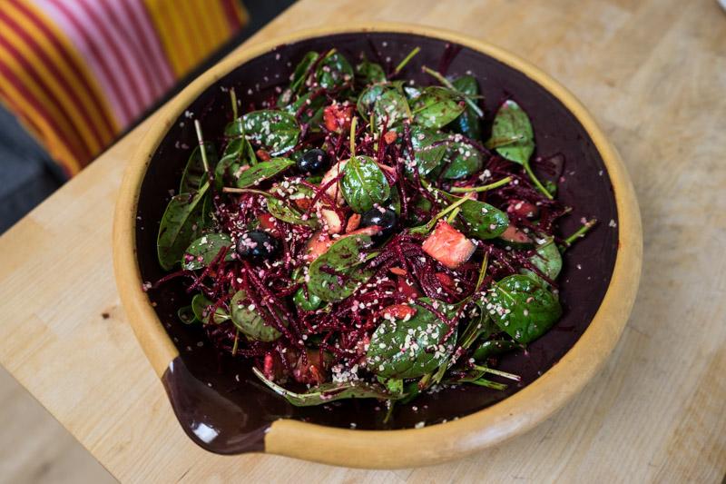 Rødbede- og spinatsalat med hampefrø-9213