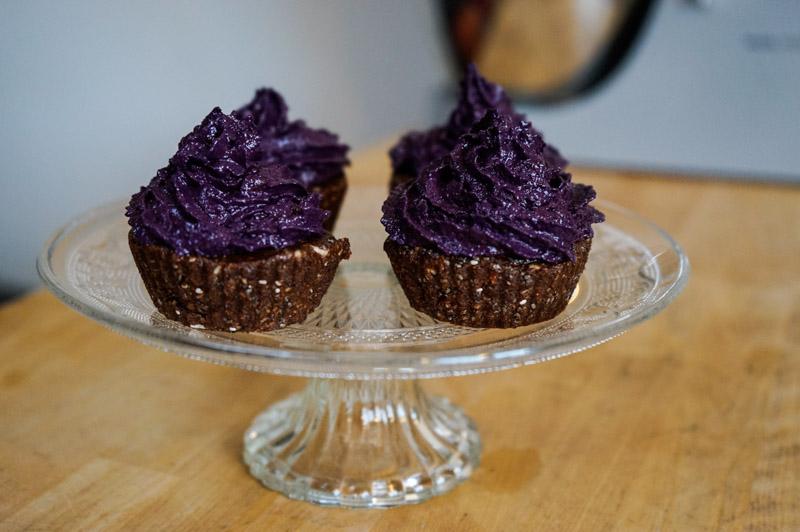 Rå superfood muffins med blåbærcreme-0097