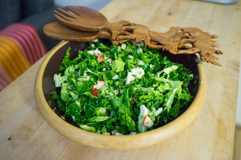 Grøn kålsalat med æble-3419