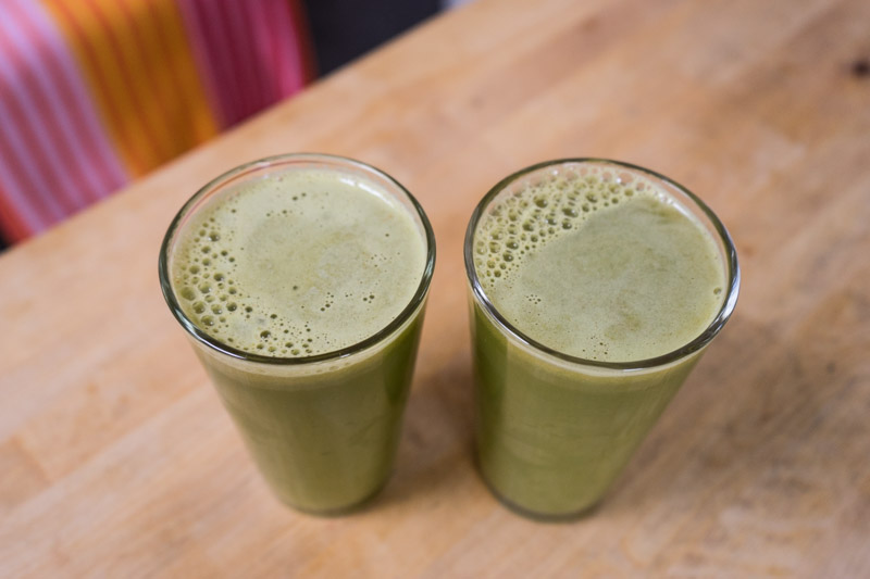 Grøntsagsjuice med pære og lime-2874