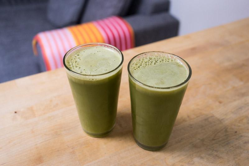 Grøntsagsjuice med pære og lime-2878