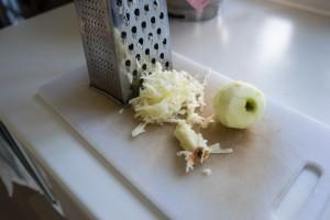 Glutenfrie og veganske kanelsnegle med æble-3676