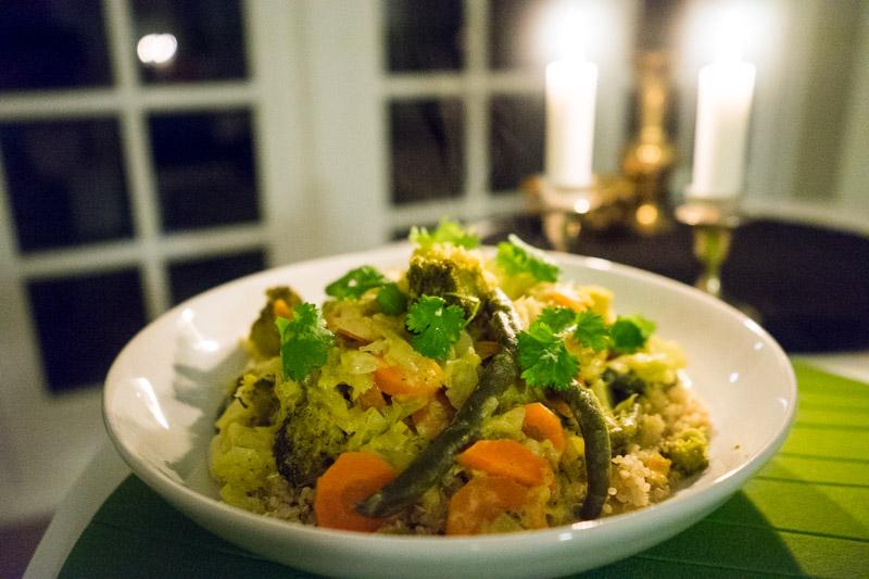 Kokos-karrysauce med grøntsager og quinoa-3723
