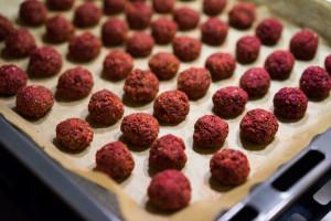 Rødbedefalafler i ovnen-5173