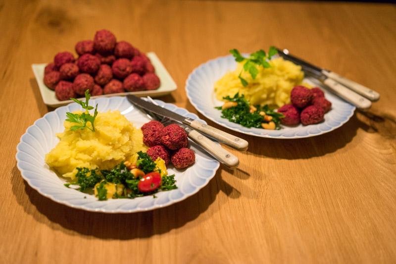 Rødbedefalafler i ovnen-5176