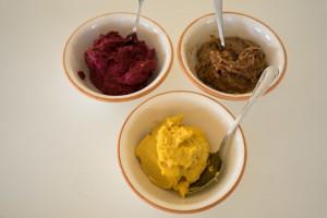 Veganske påskeæg med gurkemeje, lakrids og rødbede-5426