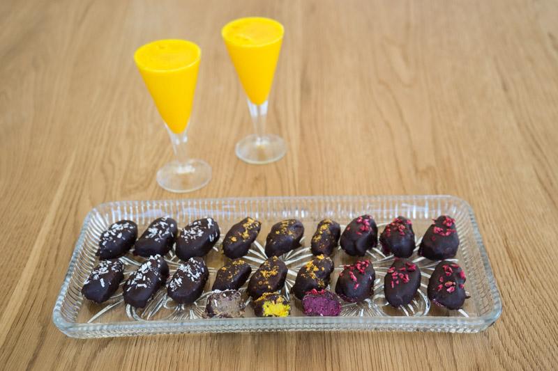 Veganske påskeæg med gurkemeje, lakrids og rødbede-5470