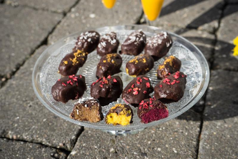Veganske påskeæg med gurkemeje, lakrids og rødbede-5499