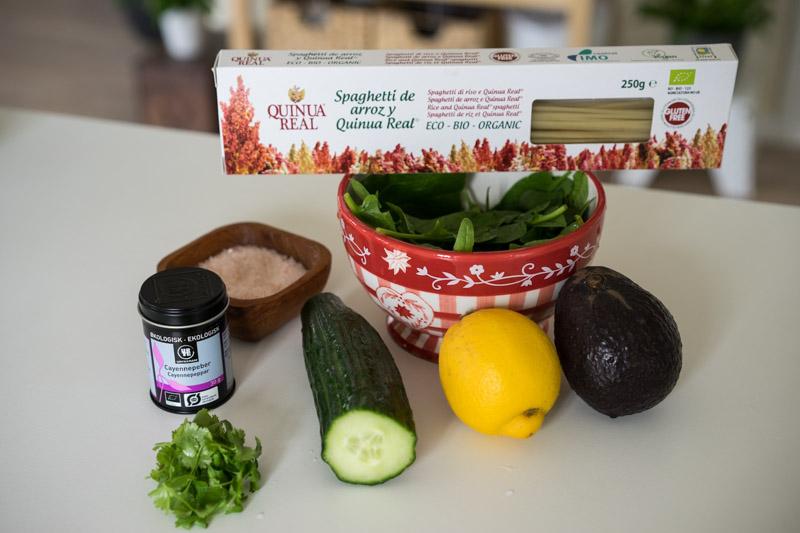 Quinoa-spaghetti med cremet grøn guacamole-5613