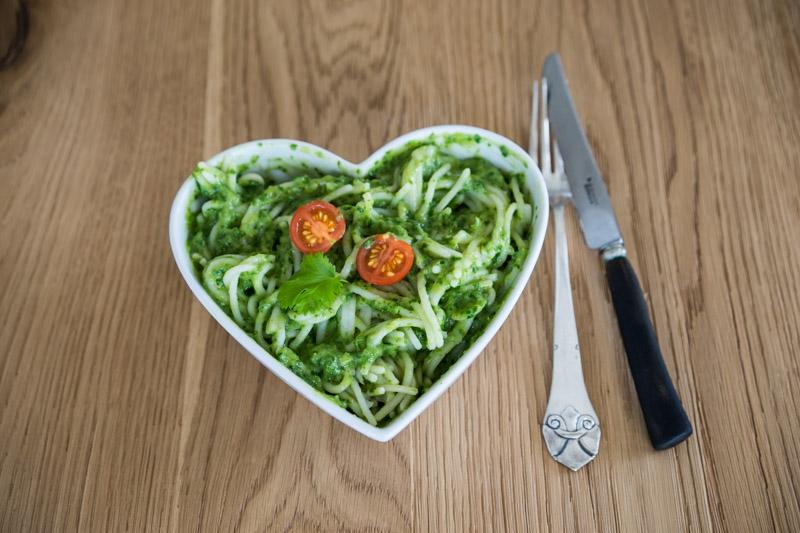 Quinoa-spaghetti med cremet grøn guacamole-5620