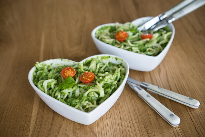 Quinoa-spaghetti med cremet grøn guacamole-5627