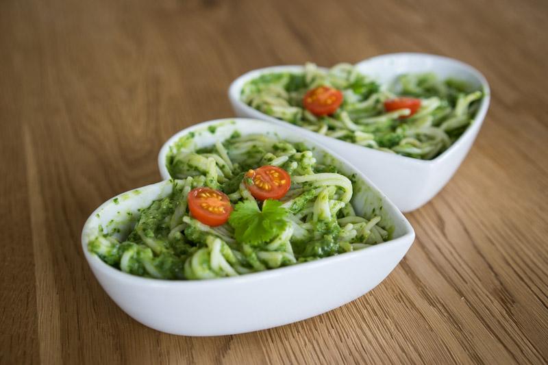 Quinoa-spaghetti med cremet grøn guacamole-5636