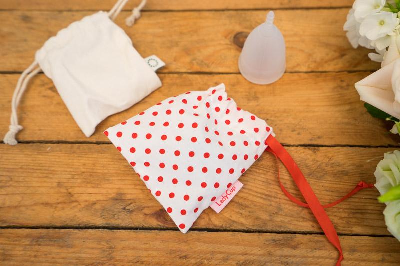 Hvorfor bruge en menstruationskop? (anmeldelse af menstruationskoppen)